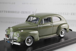 Ford 2-Door Sedan 1941 (green)